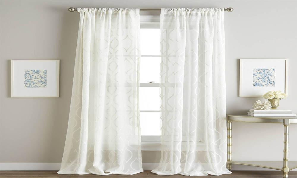 Pleated curtain