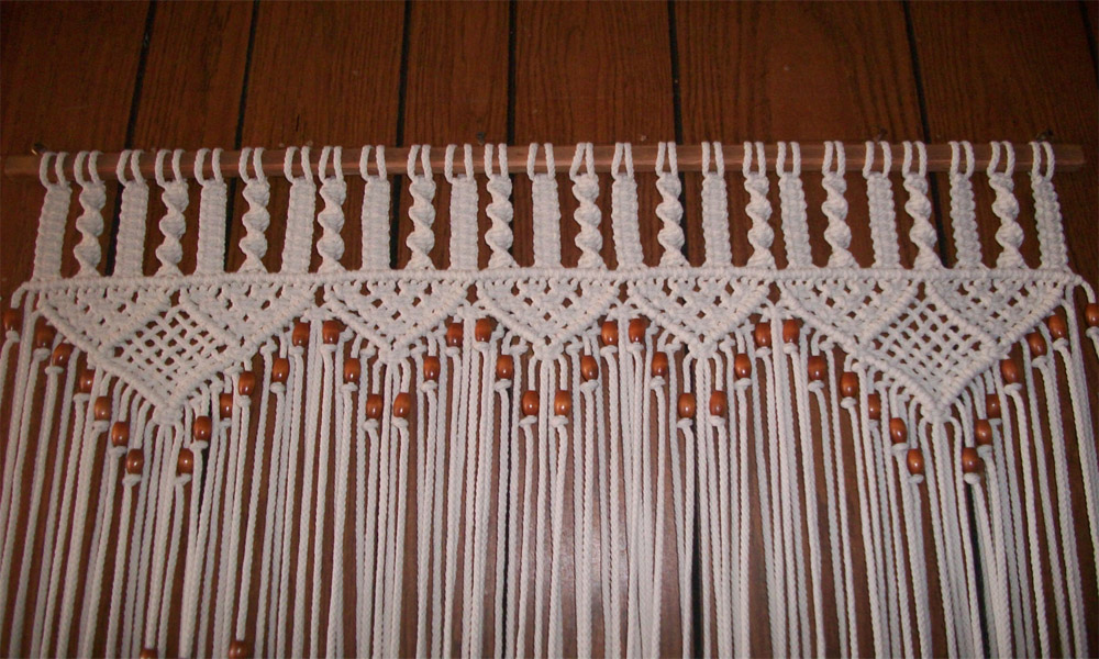Thread curtain